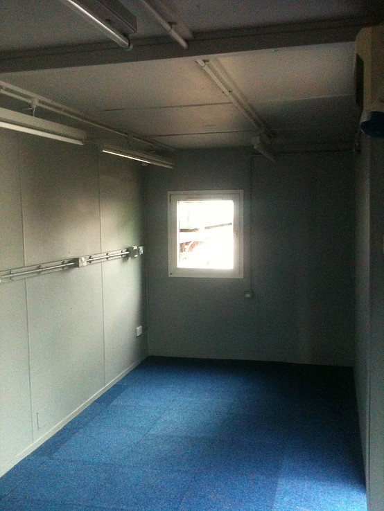Refurbished Shipping Container Ofiice Unit for sale internal